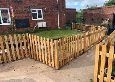 GB HEREFORD PUBLIC SERVICES GARDEN FENCE PROJECTS