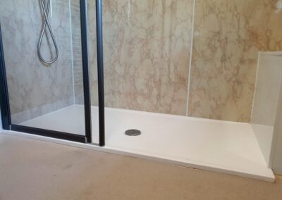 JT4145 Mrs B. Colwall Access Shower