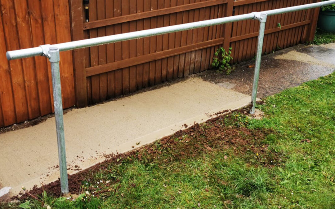 Preparing garden paths and walkways for the autumn